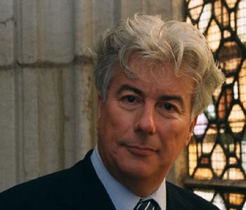 Ken Follett se ha ganado el clamor del público y es un autor prolífico
