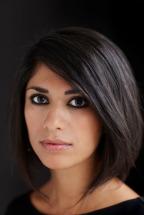La bella autora iraní Sahar Delijani