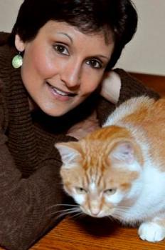 Anjali Banerjee tiene amor por la escritura y los gatos