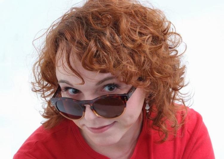 La autora es licenciada en la rama de Imagen y Sonido de Ciencias de la Información y doctora en Comunicación Audiovisual