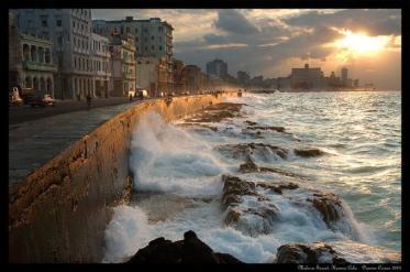 El Malecón es uno de los símbolos más famosos de Cuba
