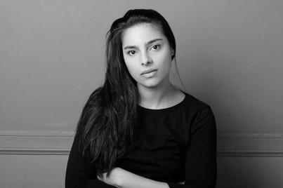 A pesar de su juventud, Margarita García Robayo  trenza una historia con los mimbres de sus recuerdos de infancia