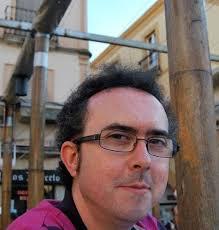 Ángel Gracia ha trabajado siempre en el sector de los libros