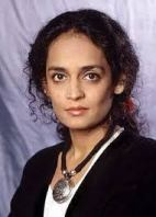 La autora Arundhati Roy