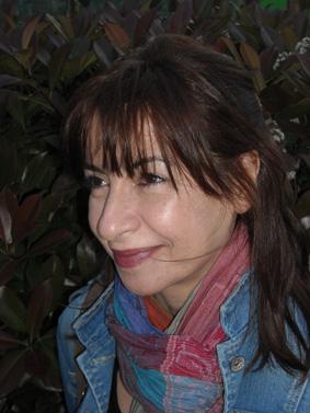 La autora es economista de profesión y escritora de vocación