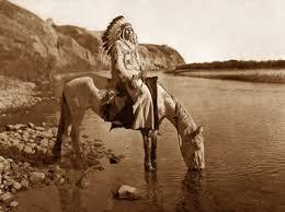 La novela es un homenaje al fotógrafo Edward S. Curtis