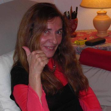 María José Collado escribió un cuaderno poético contra el olvido