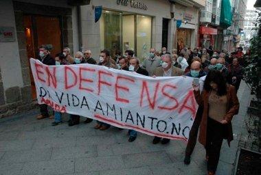 Una manifestación en Ferrol en contra del uso del amianto