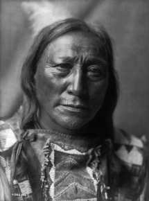 Edward S. Curtis hizo un extenso trabajo de fotografías de indios de Norteamérica