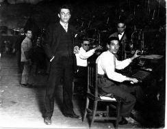 """Manuel Chaves junto a sus compañeros en los talleres de """"El Heraldo de Madrid"""""""