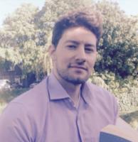 """Christopher Pollinini es autor de """"Cuatro muertos más para el desierto"""""""