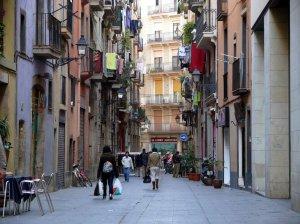 El barrio barcelonés del Raval tiene mucha presencia en la novela