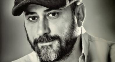 """Miguel Sáez Carral, autor de """"Apaches"""""""