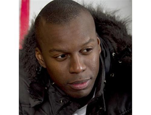 "Edjanga Jones Ndjoli, autor de ""Heredarás la tierra"""