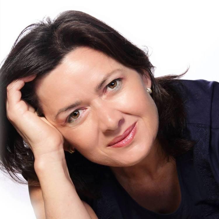 "Magdalena Martín Fleitas, autora de ""Piel Taína"""