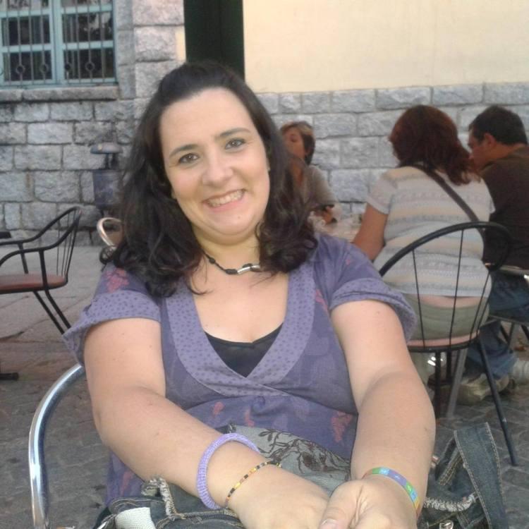 """La autora María Beatobe, coordinadora de """"Lo que a Cupido nunca conté"""""""