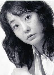 """Hiromi Kawakami, autora de """"Algo que brilla como el mar"""""""