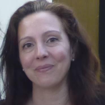 "Mónica Gutiérrez, autora de ""Un hotel en ninguna parte"""