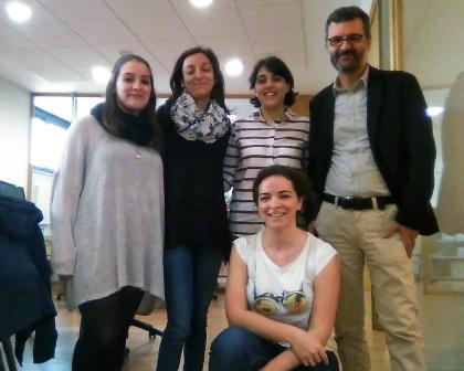 O equipo de Rinoceronte Editora no seu espazo de traballo