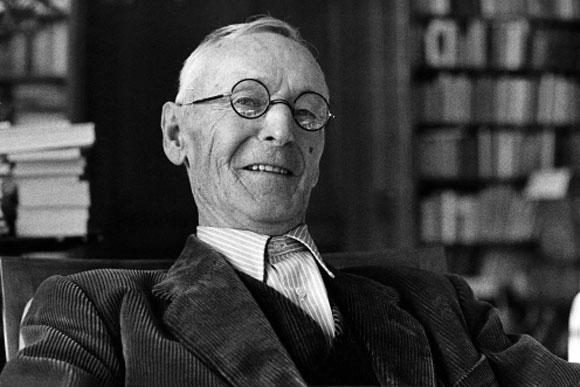 """Herman Hesse, autor de """"Noche de junio"""", recibió el Premio Nobel de Literatura en 1946"""