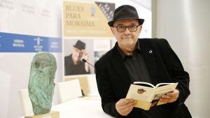 """Miguel Anxo Fernández, autor de """"Blues para Moraima"""""""