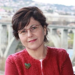 """Celia Díaz Núñez, autora de """"Unha verdade amarga"""""""