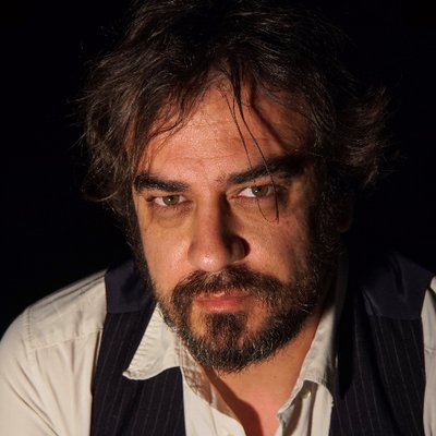 "Pedro Feijoo volve coa novela ""Os fillos do lume"""