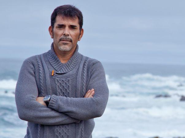 """Víctor del Árbol, autor de """"Por encima de la lluvia"""""""