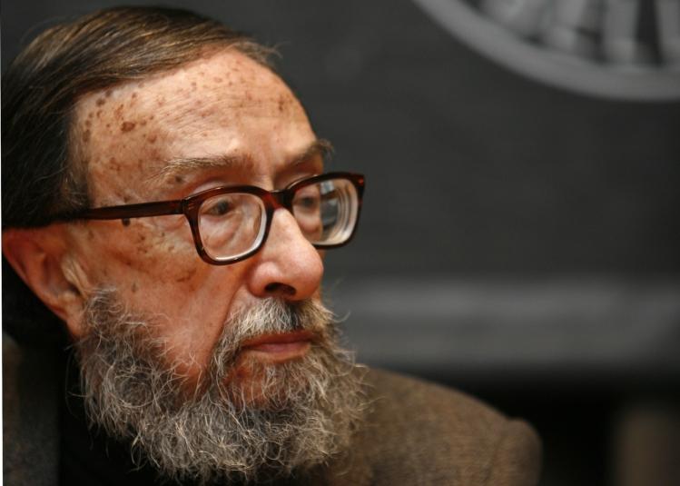 "Juan Eduardo Zúñiga, autor de ""Largo noviembre de Madrid"""