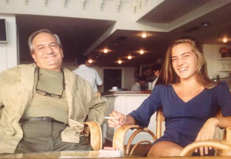 Lea Vélez acompañada de su padre Carlos Vélez en una foto colgada en sus redes sociales