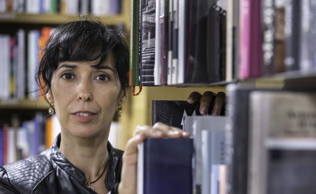 """Edurne Portela, autora de """"El eco de los diaparos"""" y """"Mejor la ausencia"""""""