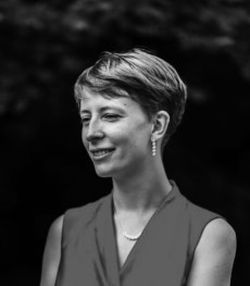 "Amèlie Callot, autora de los textos de ""Rosa a pintitas"""