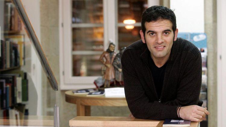 Xosé A. Neira Cruz volve á literatura c' O sono das sereas