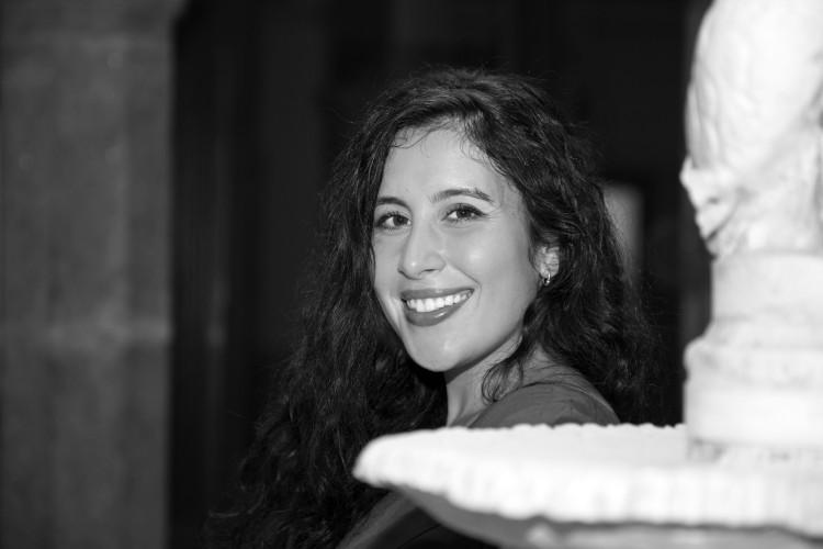 "Arancha Nogueira, poeta e autora de ""O único lugar onde ficar inmóbil"""