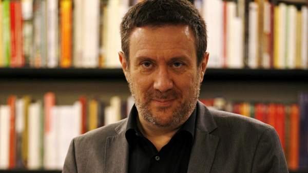 """Luisgé Martín, autor de """"El mundo feliz"""""""