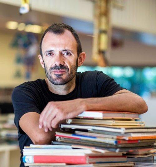 """Isaac Rosa, autor de """"Feliz final"""""""