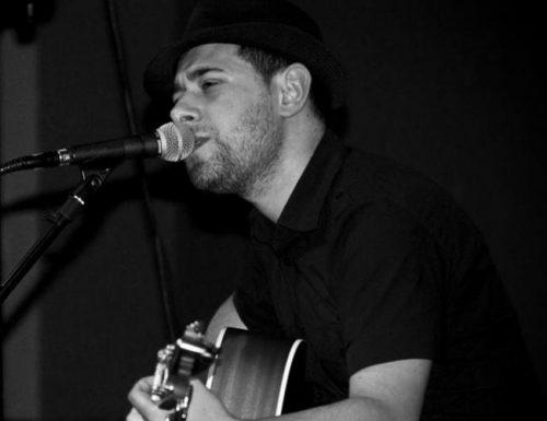 Miguel Alonso, cantautor e escritor