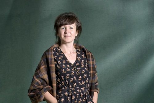 "Olivia Laing, autora de la novela ""Crudo"""