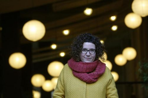"Tina Vallès, autora de ""A memoria da árbore"""