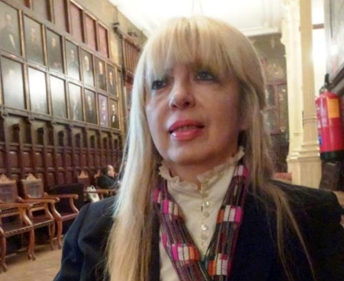 "Liliana Díaz Mindurry, autora de ""La dicha"""