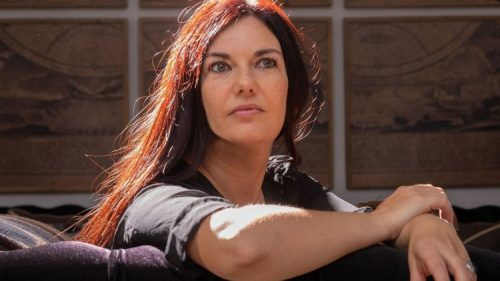 "Ledicia Costas, autora de ""Infamia"""