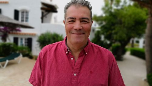 """Amador Castro Moure, autor de """"Shanghai a Barcelona"""", Premio Xerais 2019"""