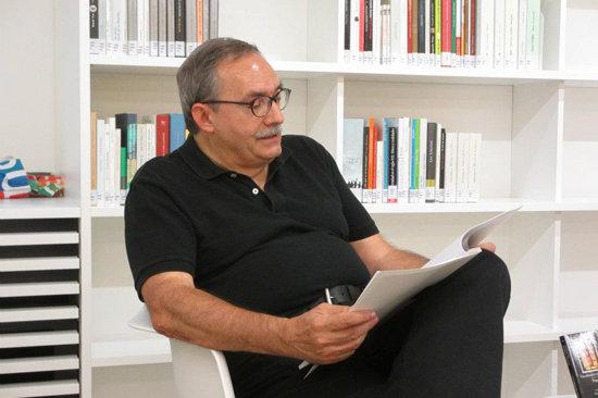 """Manuel Rico, autor de la novela """"El lento adiós de los tranvías"""""""