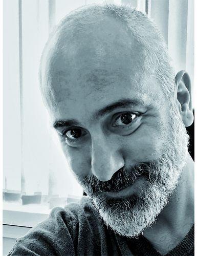 """Jorge Molinero Huguet, autor de """"La enfermera del desierto"""""""