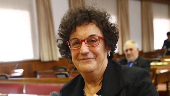 """María Luisa Balaguer, autora del ensayo biográfico sobre Iris Zavala """"Que nadie muera sin amar el mar"""""""