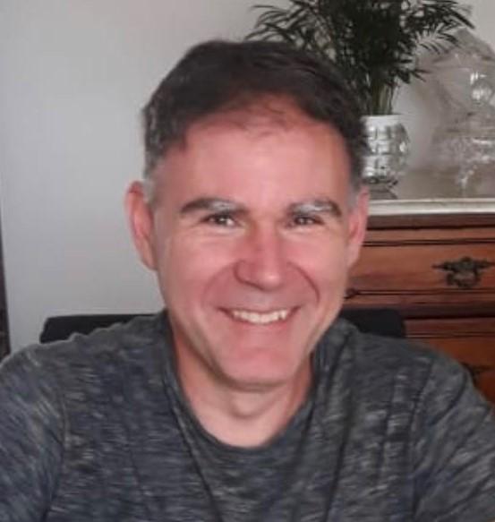 Jorge García Marín, autor do libro 'Papá, por que non pintas as unllas de cores?'