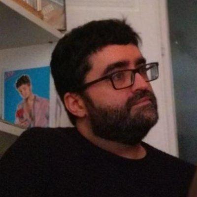 O escritor e crítico Mario Regueira