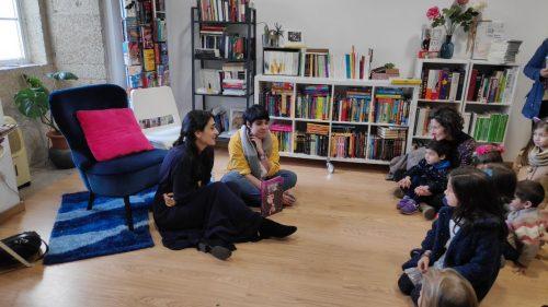 Maite Mosconi e Miriam Beizana nunha presentación de 'Guerreiras de lenda'